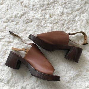 TOPSHOP brown faux leather clogs!! ✨
